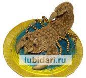 Золотой Скорпион из цветов