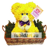 Мишка с открыткой из цветов