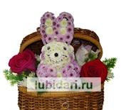 Зайчонок в сундучке из цветов